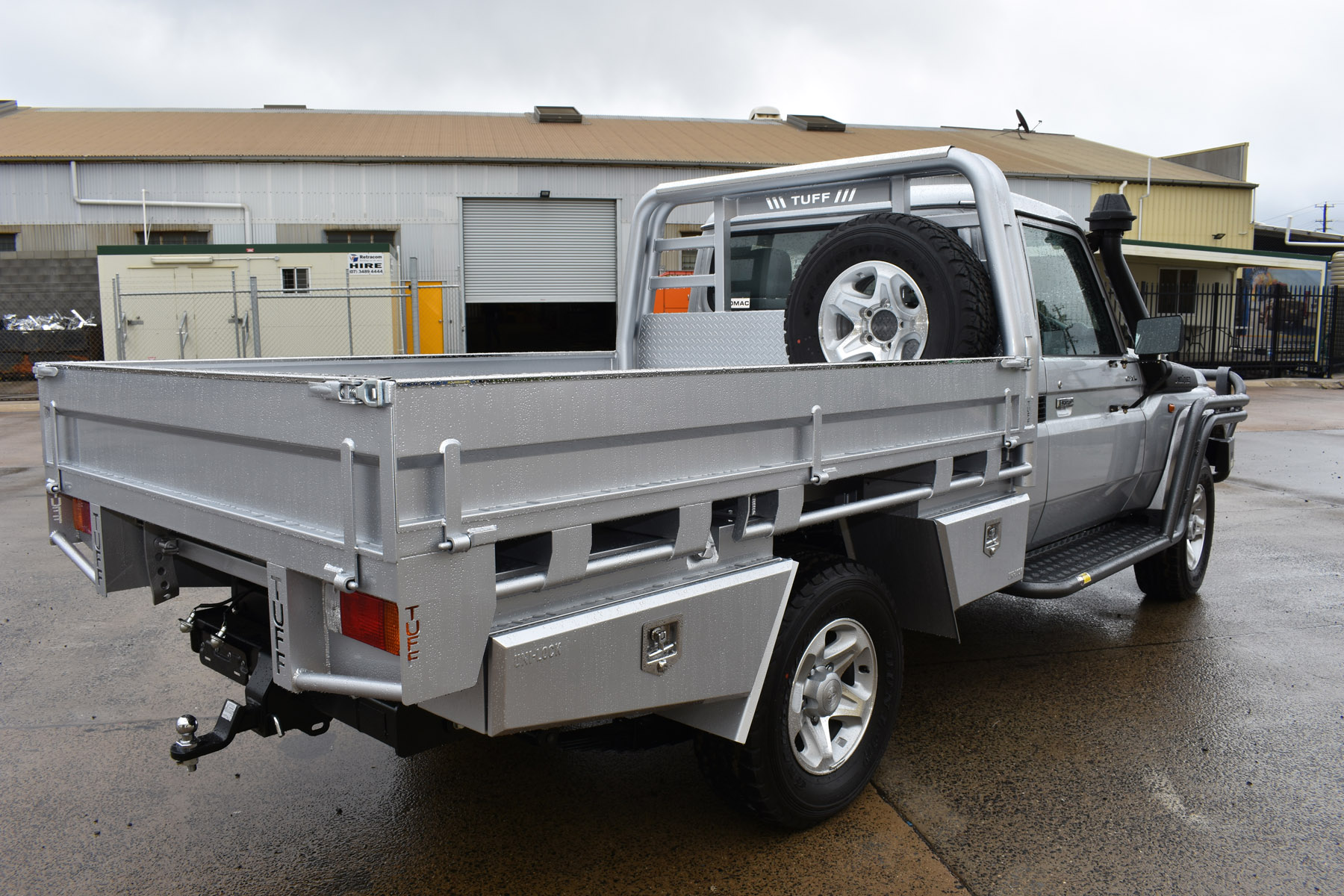 70 SERIES GXL '17 SCab Steel Floor Tray + Double Headboard 20mm Gap + 4 x Underbody Toolboxes + Stainless Capping (4)